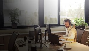 5 ways that VoIP can boost your business